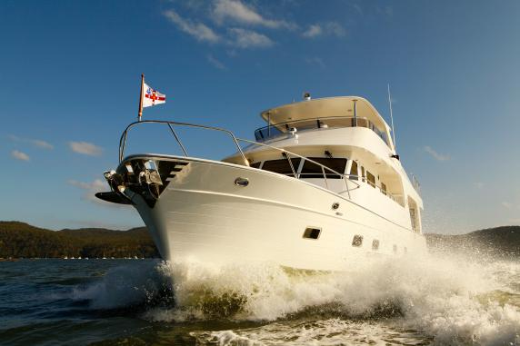 Outer Reef Yachts 580 LRMY and 820 CPMY to make World Debut at 2015 Fort Lauderdale International Boat Show