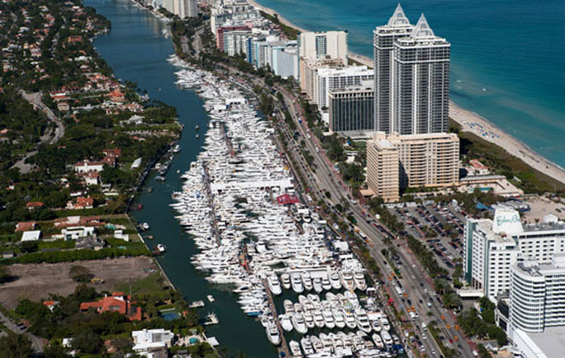 Outer reef yachts - Miami boat show ...