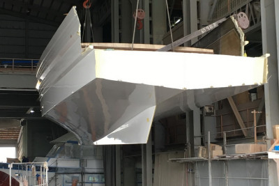 New 610 Motoryacht Out Of The Mold