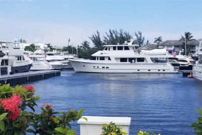 New 860 DBMY Owners Closed On 4th Outer Reef Yacht