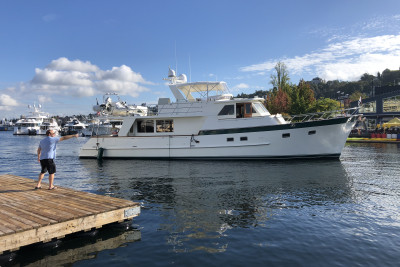 Seattle Lake Union Boats Afloat Show Move-in
