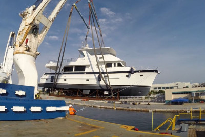 New Highly Customized 700 Outer Reef Motoryacht Arrival