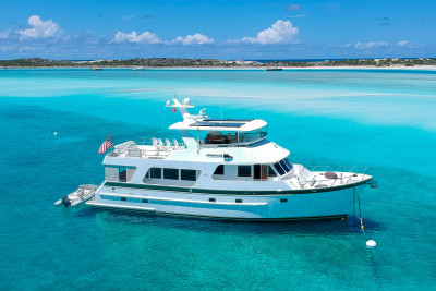 Outer Reef 650 LATITUDE Explores the Bahamas