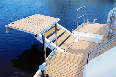 Outer Reef 86 DBMY RUFF SEAS Equipped with Opacmare Passerelle/Water-Sports Platform