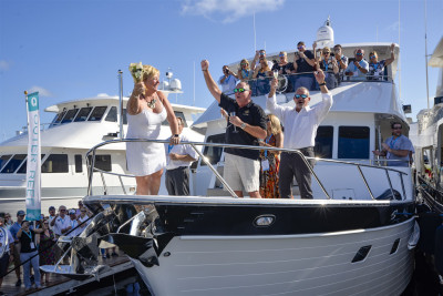 New Outer Reef 720 Deluxbridge Gen II Christened at 2019 FLIBS