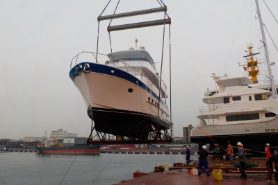 New Outer Reef 610 Motoryacht Loading for Shipment