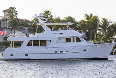 New Listing! 2014 650 Outer Reef Motoryacht KNEE DEEP