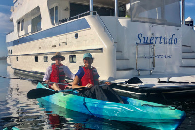 Outer Reef Owners Gather For Fall Fun In Port City Marina