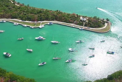Outer Reef's 10 Reasons to Bring Your Boat to No Name Harbor