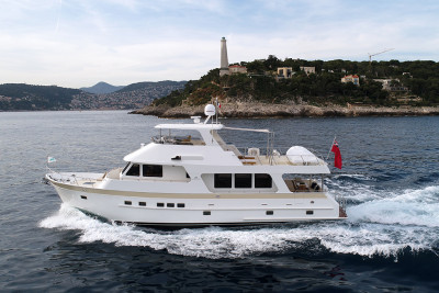For Sale! Impeccable 2017 630 Outer Reef Motoryacht