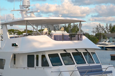 Visit the 720 Outer Reef Motoryacht BB on Display at 2021 FLIBS