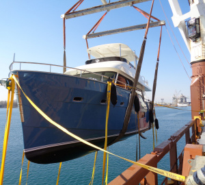 Outer Reef Yachts Trident 620 On Her Way