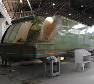 Transom dry-fitted to first Trident hull