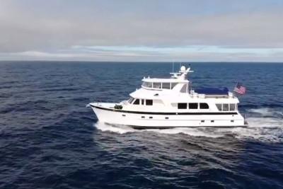 Outer Reef 700 Motoryacht CASABLANCA Owner Running Video