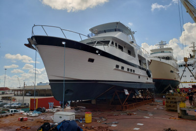 Another New 610 Outer Reef Motoryacht Delivery